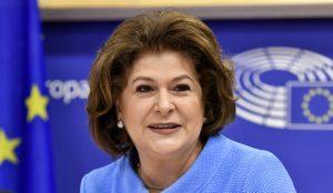 De Europese Commissaris voor Transport is Roemeense